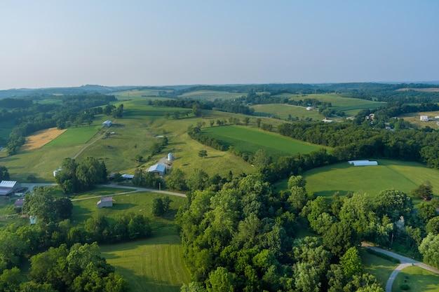 Widok z lotu ptaka na pola uprawne w mieście bentleyville county pennsylvania usa