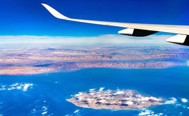 Widok z lotu ptaka na wyspę kish w zatoce perskiej, iran. bliski wschód