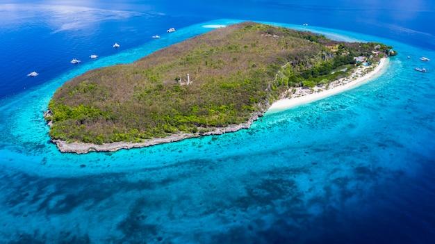 Widok z lotu ptaka na wyspę sumilon