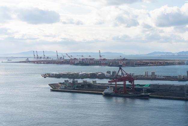 Widok z lotu ptaka obszaru portu osaka w japonii