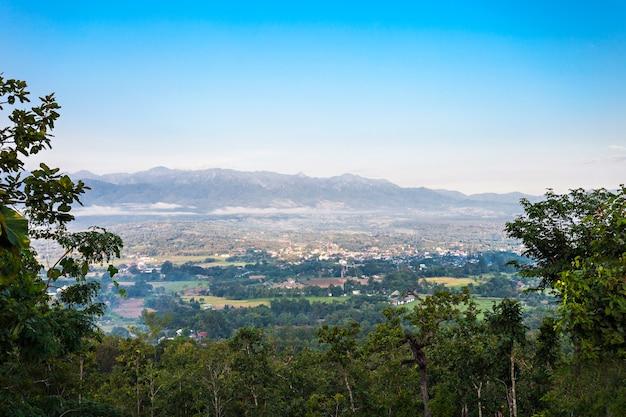 Widok z lotu ptaka pai, prowincja mae hong son, północna tajlandia