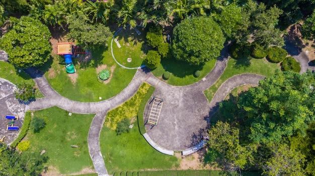 Widok z lotu ptaka. park rodzinnej wioski w bangkoku