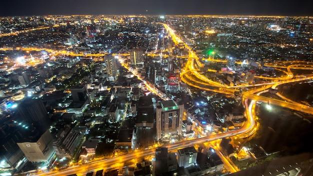 Widok z lotu ptaka pejzaż miejski kolorowy bangkok tajlandia przy nocą.