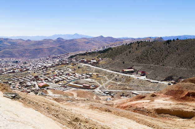 Widok z lotu ptaka potosi, miasto górnicze bolivia.bolivian