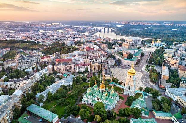 Widok z lotu ptaka soboru mądrości bożej w kijowie, ukraine