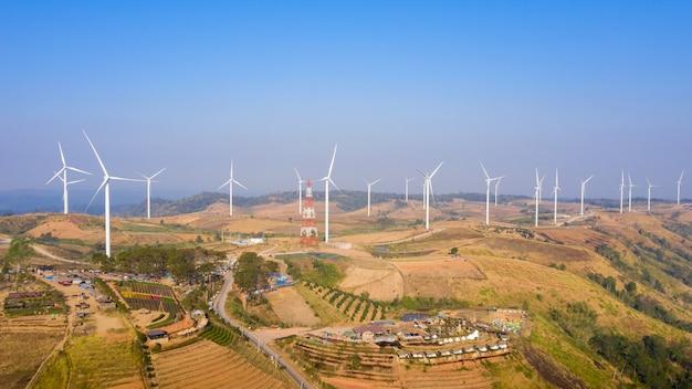 Widok z lotu ptaka wiatrak farmy elektrycznej khao kho phetchabun