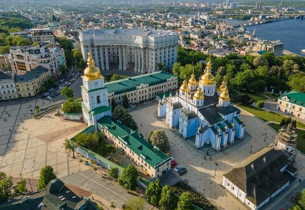 Widok z lotu ptaka z drone st michaels goldendomed klasztor w kijowie