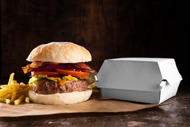 Widok z przodu asortyment pysznych burgerów