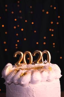 Widok z przodu ciasto na imprezę nowego roku