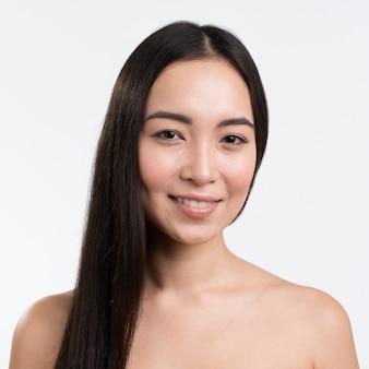 Widok z przodu kobieta z ładnymi włosami