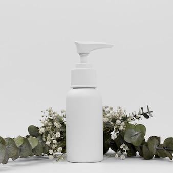 Widok z przodu koncepcji butelki olejku