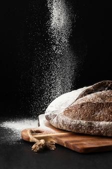 Widok z przodu koncepcji chleba z miejsca na kopię