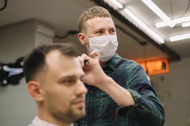 Widok z przodu koncepcji fryzjerski