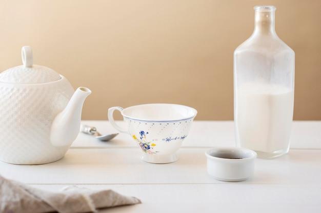 Widok z przodu koncepcji mleka herbaty