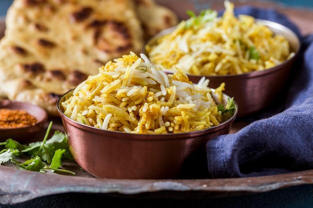 Widok z przodu pyszna kompozycja potraw pakistańskich