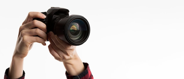 Widok z przodu rąk trzymając aparat