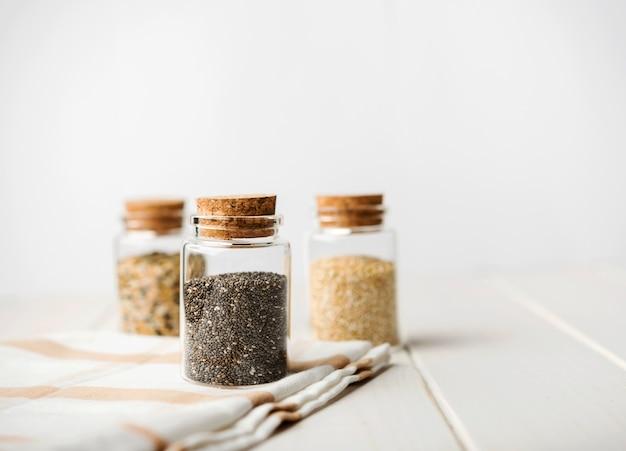 Widok z przodu różnych rodzajów nasion