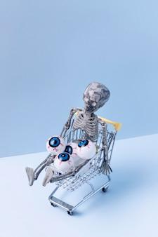 Widok z przodu straszne zabawki halloween