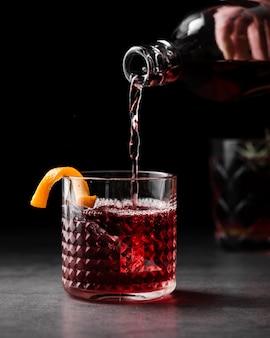 Widok z przodu szklane wypełnienie wina