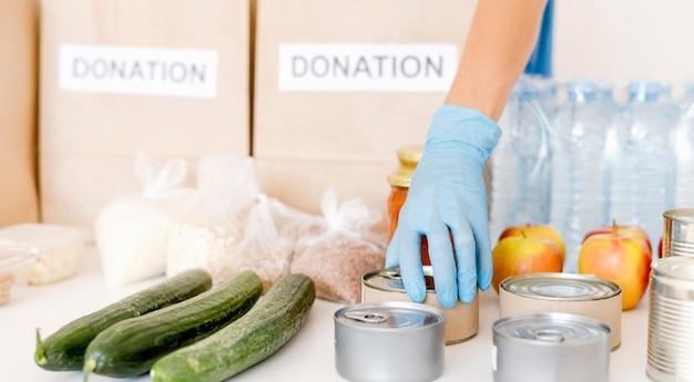 Widok z przodu żywności do darowizny