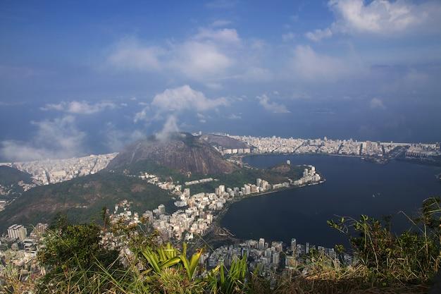 Widok ze wzgórza corcovado, rio de janeiro, brazylia