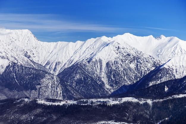 Widok zimy kaukaz góra
