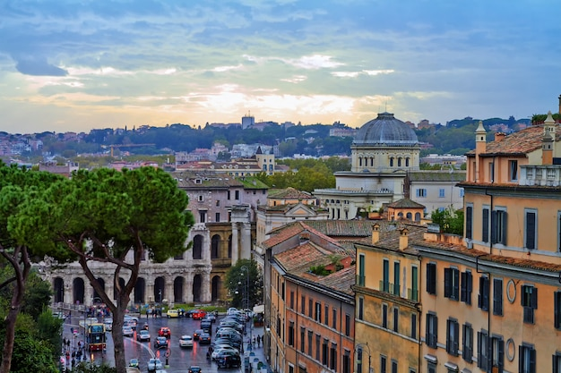 Wieczór budowania panoramy rzymu,