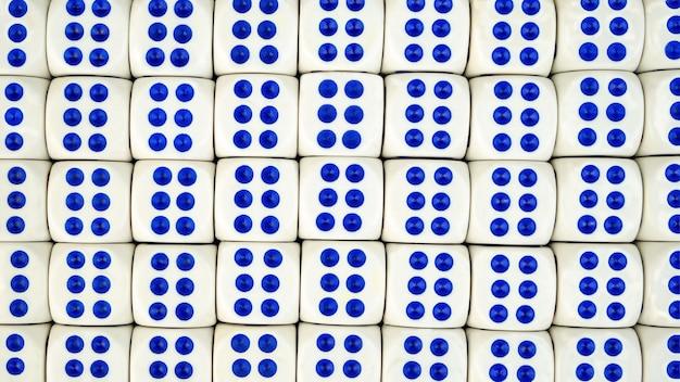 Wiele białych kości z niebieskimi kropkami z numerem 6. koncepcja hazardu w kasynie.