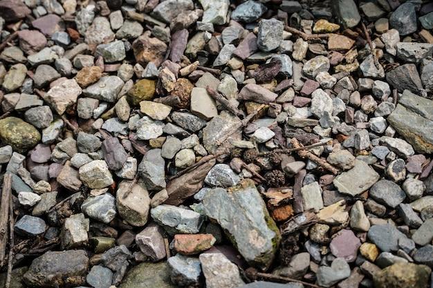 Wiele obrazów kamieni w ziemi