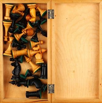 Wiele szachów w pudełku