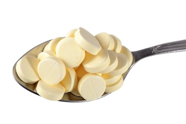 Wiele tabletek w łyżce