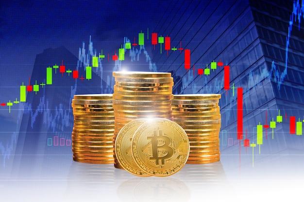 Wiele złotych monet z symbolem bitcoin złota moneta bitcoin