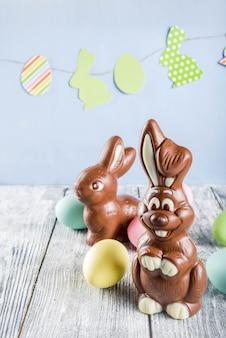 Wielkanoc z królikami i jajkami