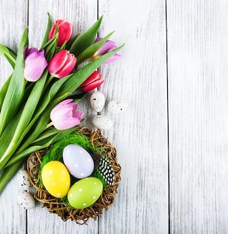 Wielkanocny tło z jajkami
