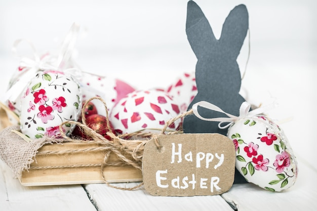 Wielkanocy wciąż życie z jajkami i królikiem