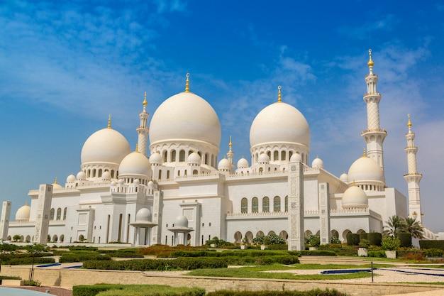 Wielki meczet szejka zayeda w abu zabi