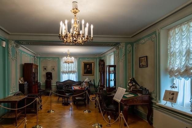 Wielki pałac mienszykowa 1710 w oranienbaum lomonosov sankt petersburg rosja