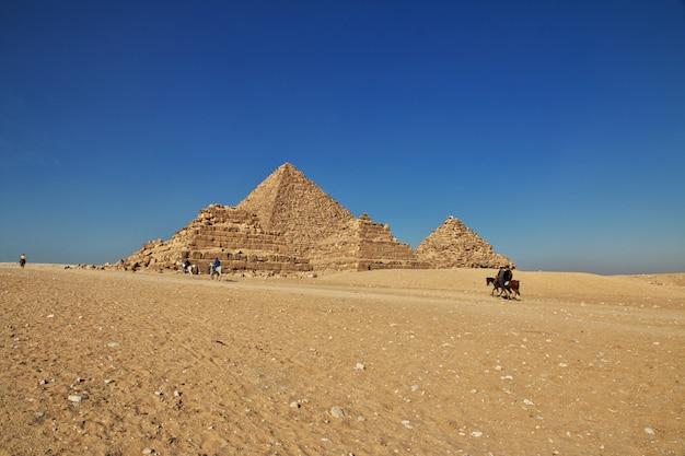 Wielkie piramidy starożytnego egiptu w gizie