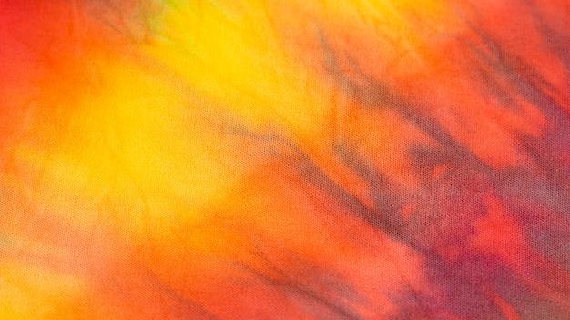 Wielobarwna tkanina tie-dye