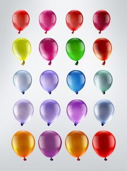 Wielokolorowe balony z rzędu na jasnym tle
