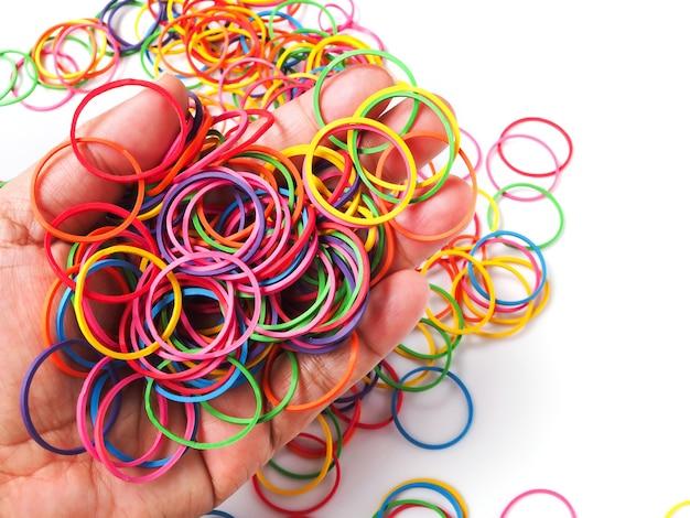 Wielokolorowe tło z kolorowymi gumkami