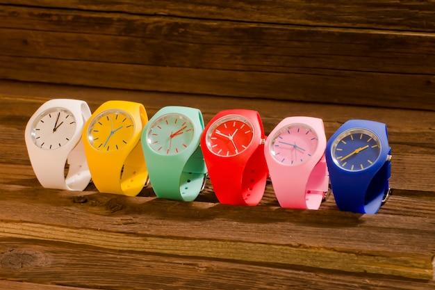 Wielokolorowy zegarek sportowy
