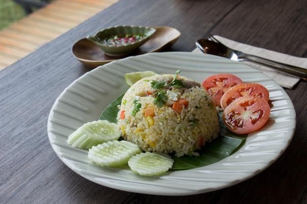 Wieprzowina z zasmażanym ryżem.