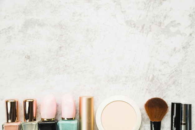 Wiersz różnych kosmetyków