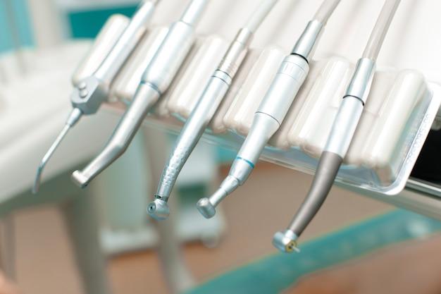 Wiertła stomatologiczne w gabinecie stomatologicznym