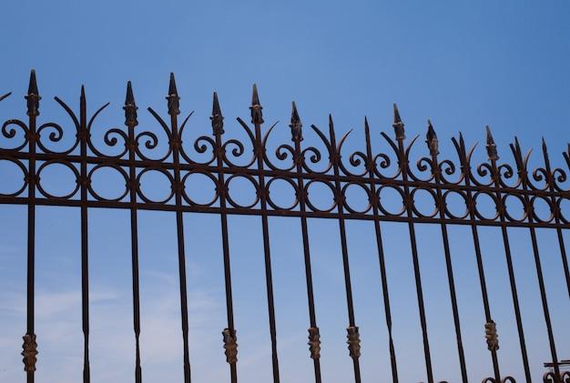 Wierzchołek ogrodzenie w santorini grecja