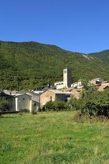 Wieś biescas, prowincja huesca, aragonia, hiszpania