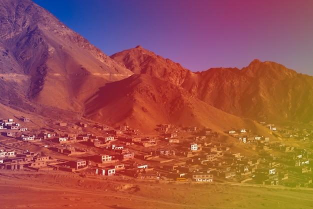 Wieś w mountain landscpape