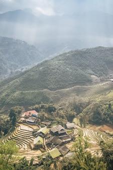 Wietnamski krajobraz w sa pa