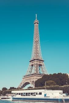 Wieża eiffla i sekwany